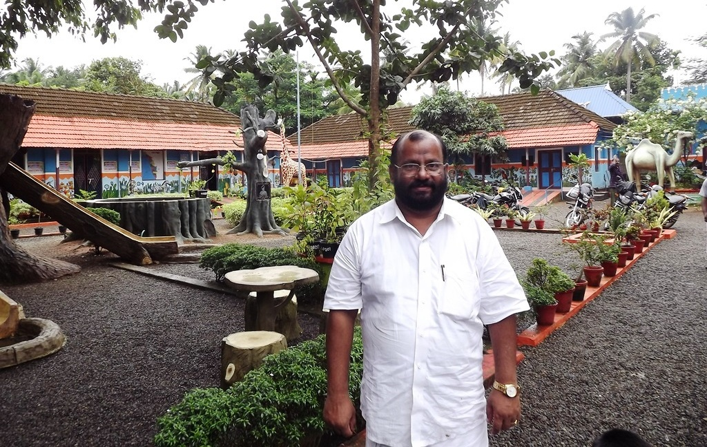 ദേശീയ അധ്യാപക അവാര്ഡ് എ.വൈ.മോഹന്ദാസിന്.