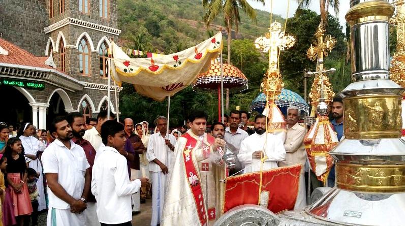 കനകമല തീര്ത്ഥാടന കേന്ദ്രത്തില് തിരുനാള് കൊടികയറി